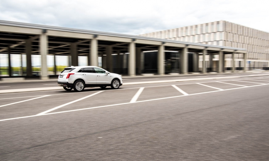 Mt dem Cadillac XT5 zum BER Flughafen