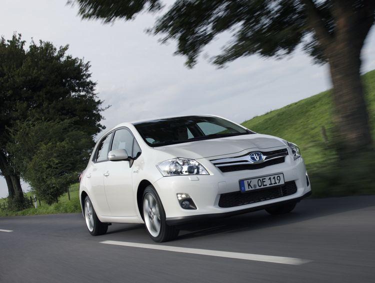 Adac Test Toyota Auris Hybrid Erreicht Fnf Sterne Im Ecotest