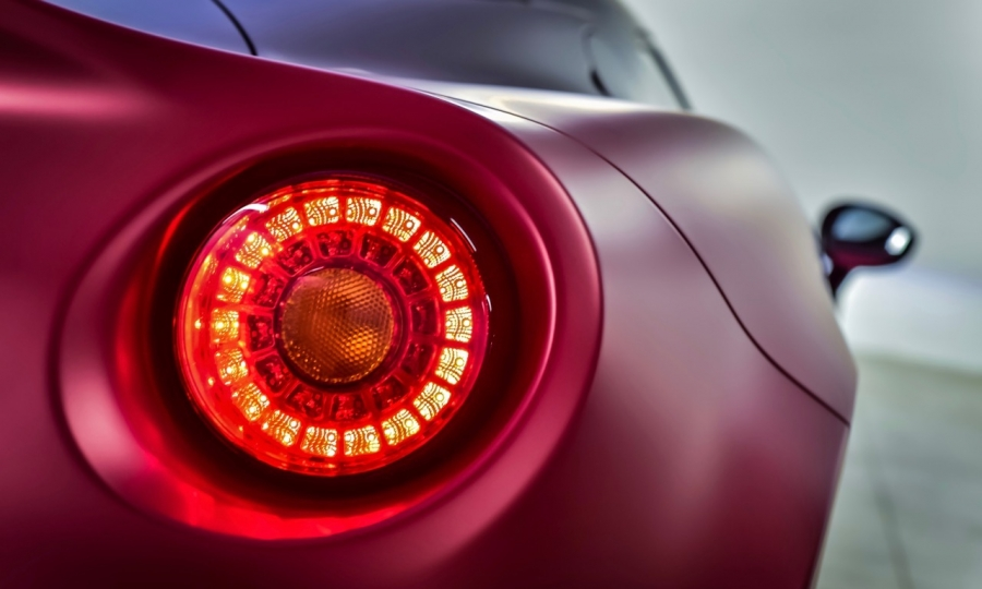 Alfa Romeo 4C Garage Italia Customs