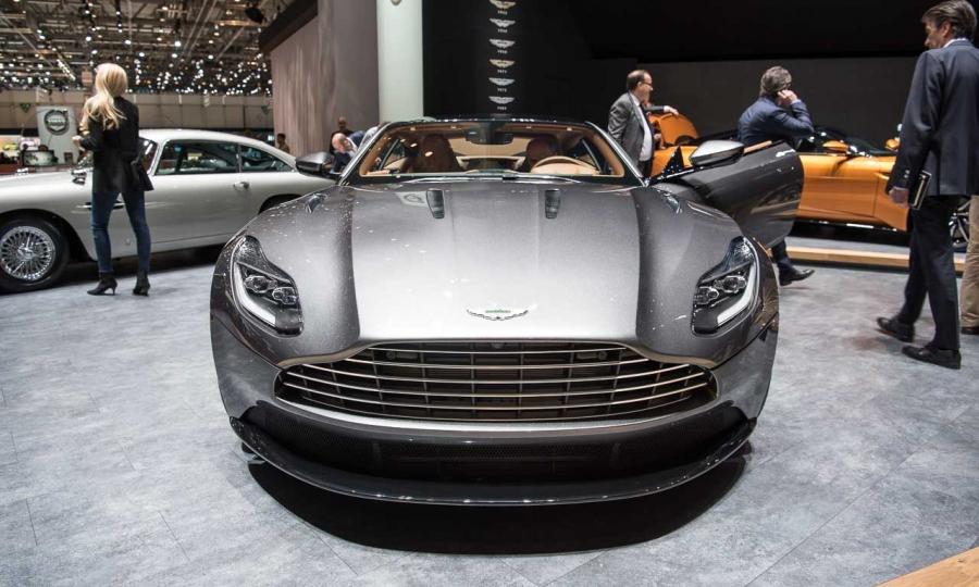 Aston Martin DB11 auf dem Autosalon Genf 2016