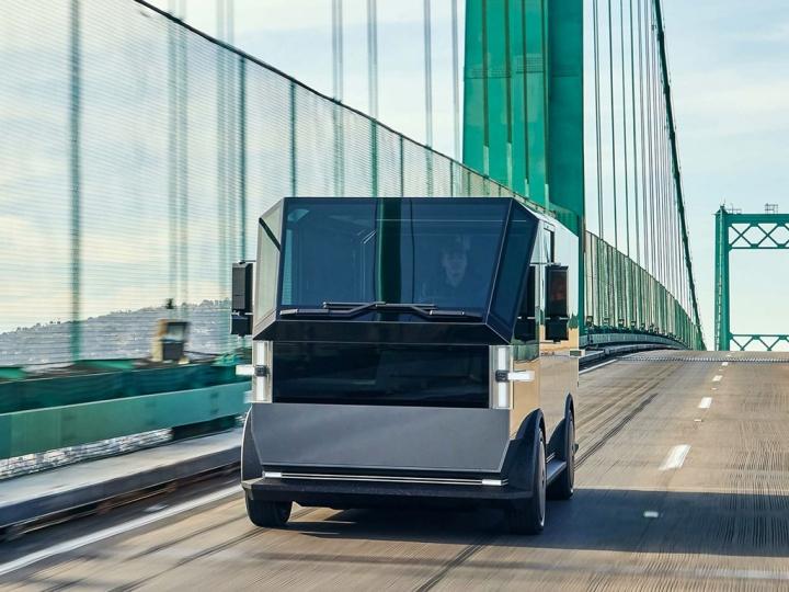 Canoo Elektro-Transporter