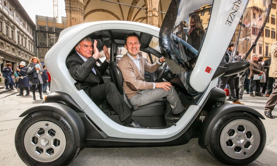 TOP 1: Renault Twizy ab 6.950 Euro.