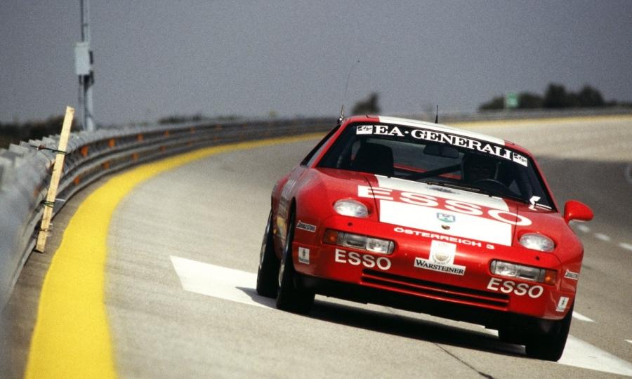 Rekordfahrt eines Porsche 928 GTS im Jahr 1993 in Nardò