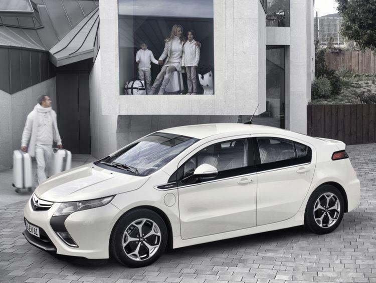 Genf 2011 Opel Prsentiert Das Elektroauto Opel Ampera Mit Serienreife