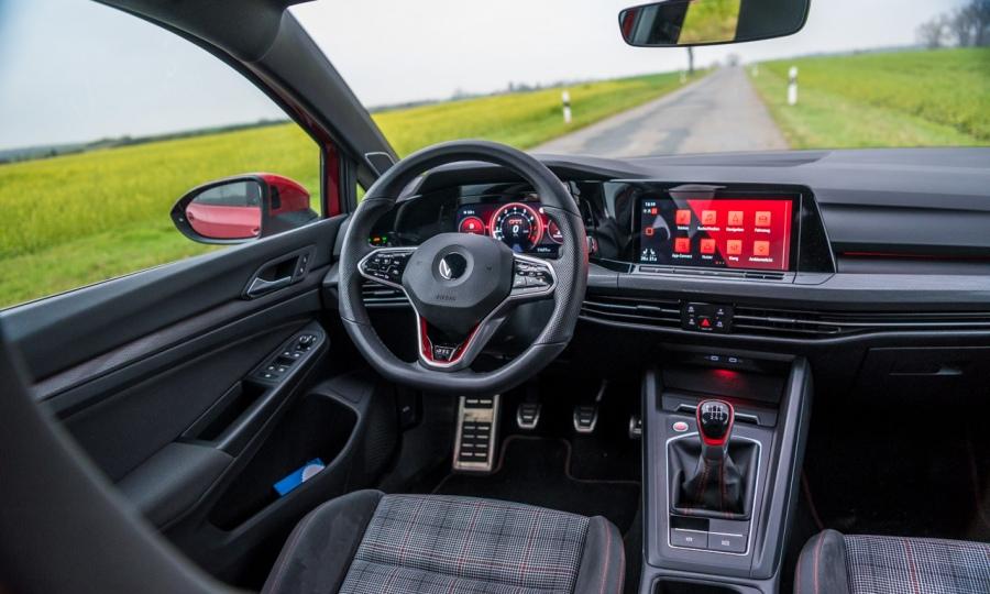 VW GOLF 8 GTI HANDSCHALTER IM TEST