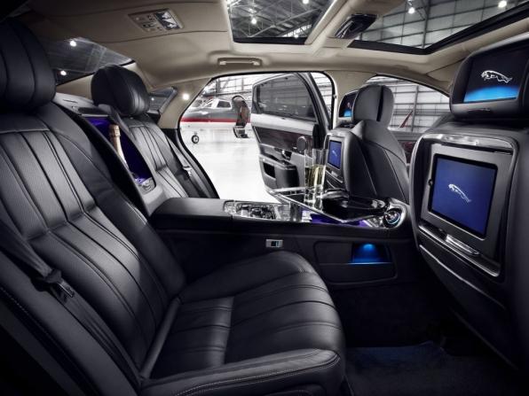 Jaguar XJ (2012)