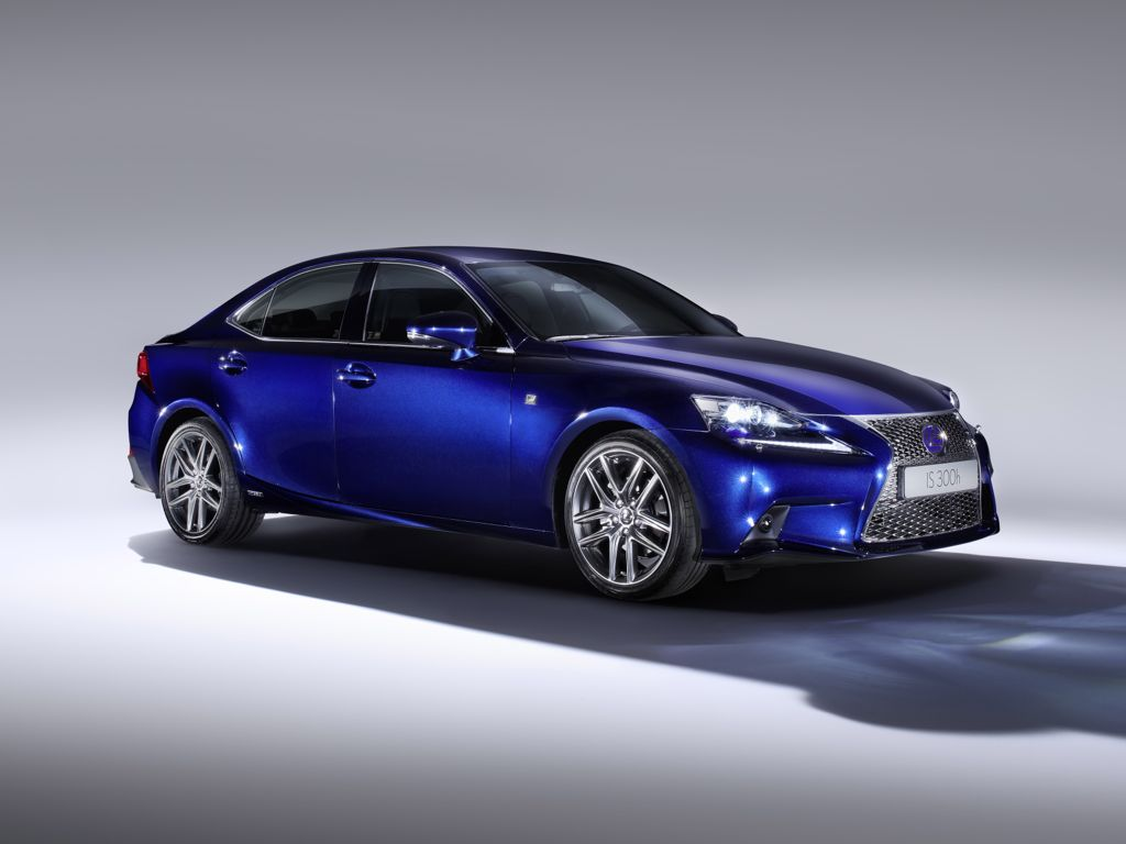 Lexus IS 300h (2013)