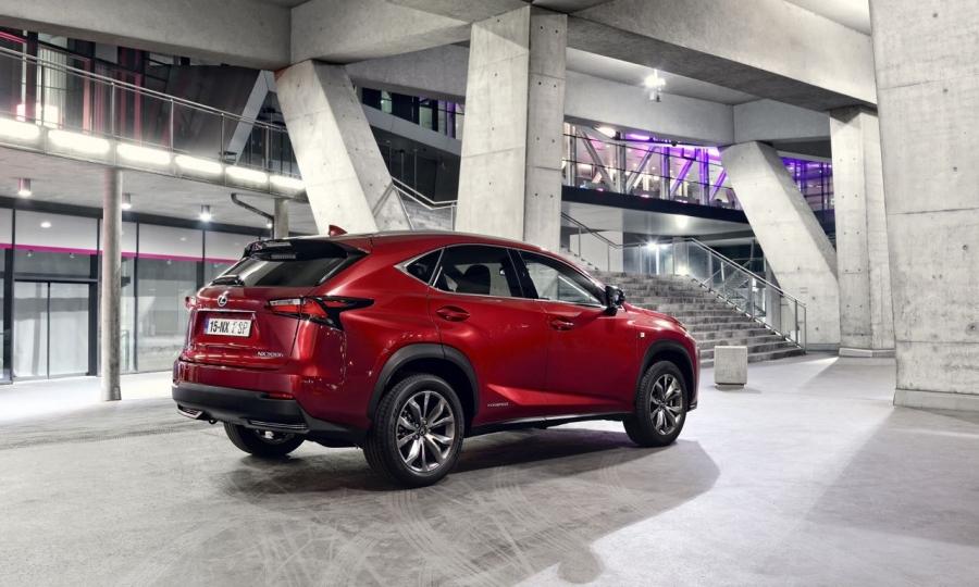 Lexus NX (2015)
