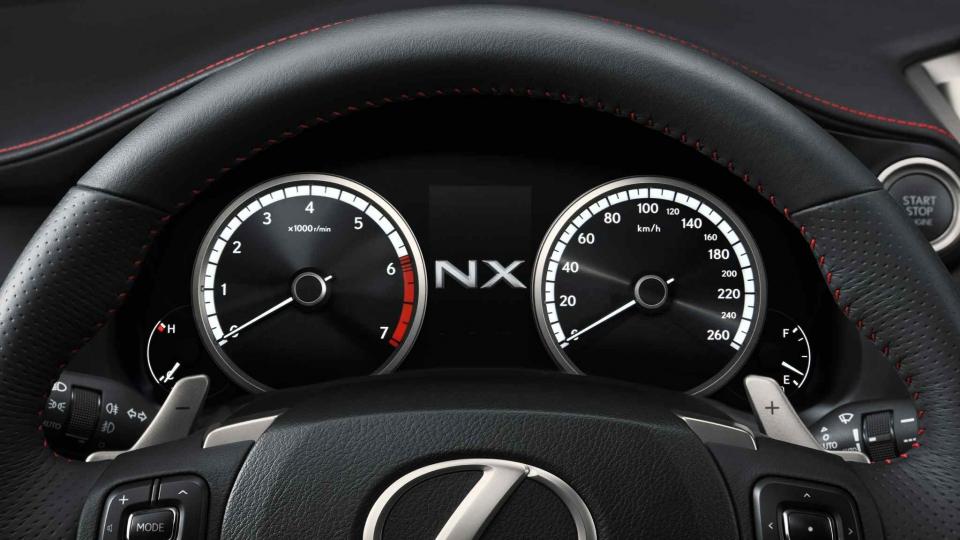 Lexus NX (ab 2014)