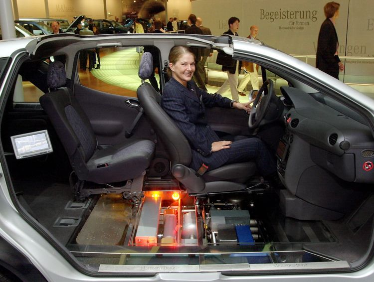 Mercedes Benz Necar 5 2000