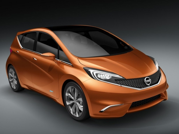 Nissan Invitation Concept (2012)