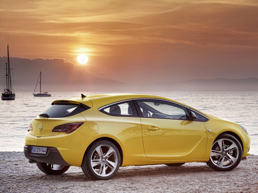 Opel Astra GTC (2011)