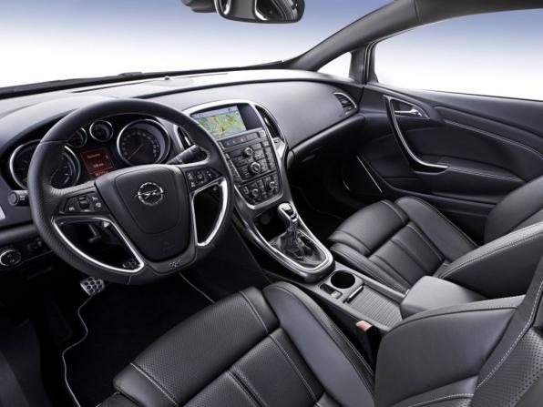 Opel Astra OPC (2012)