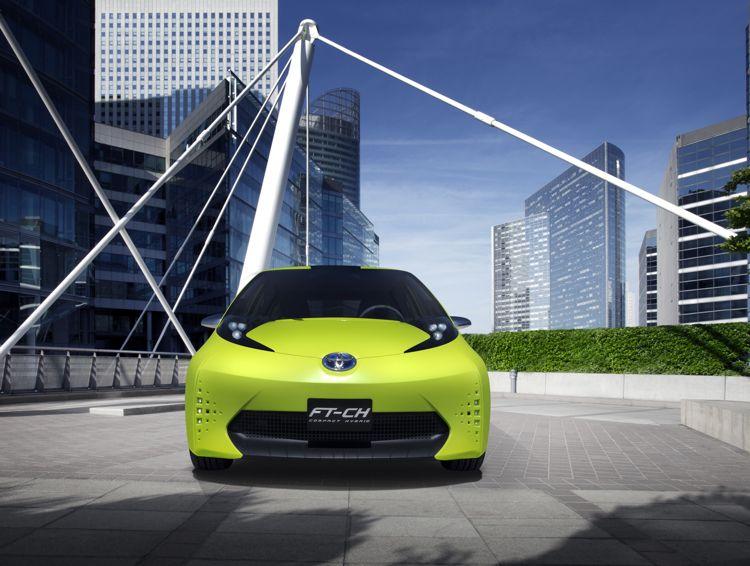 Pariser Autosalon Toyota Zeigt Den Neuen Verso Und Die Konzeptstudie Ft Ch Mit Hybridantrieb