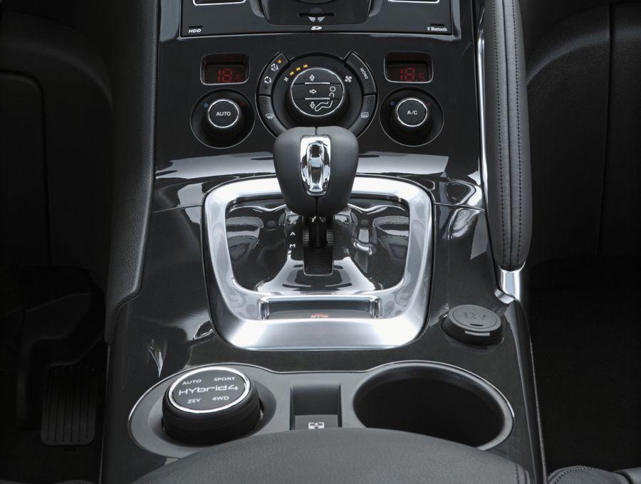 Peugeot 3008 Hybrid4 2010