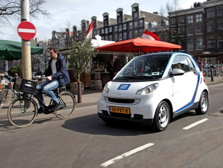 Car2Go Smart Elektroautos in Amsterdam