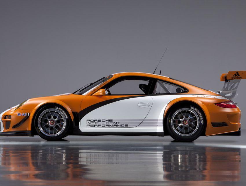 Porsche 911 GT3R Hybrid
