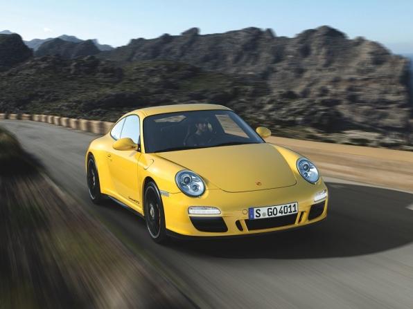 Porsche 911 Carrera 4 GTS (2011)