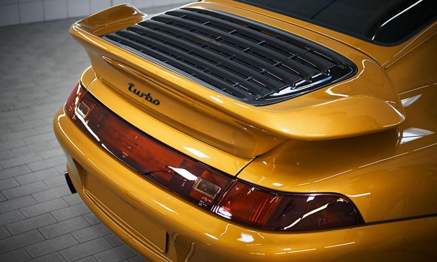 "Porsche 993 Turbo S ""Project Gold"""