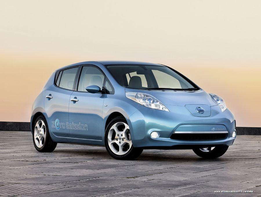 Produktionsstart Bei Nissans Elektroauto Der Leaf Rollt Vom Band