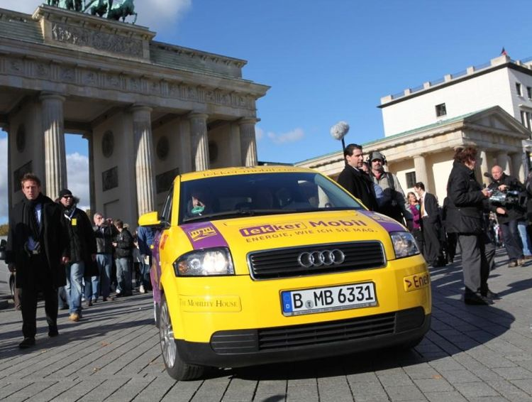 Rekordfahrt Nach Berlin Elektroauto Schafft 600 Kilometer Mit Einer Batterieladung