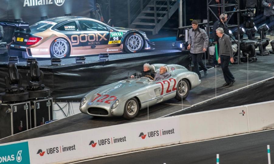Stars & Cars 2015 in der Mercedes-Benz Arena