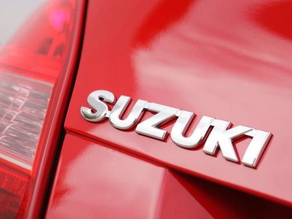 Suzuki Kizashi (2012)