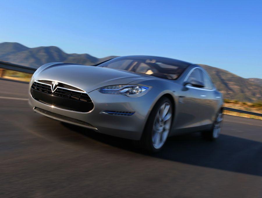 Tesla Modell S 2011