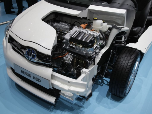 Toyota Auris Hybrid (2012)
