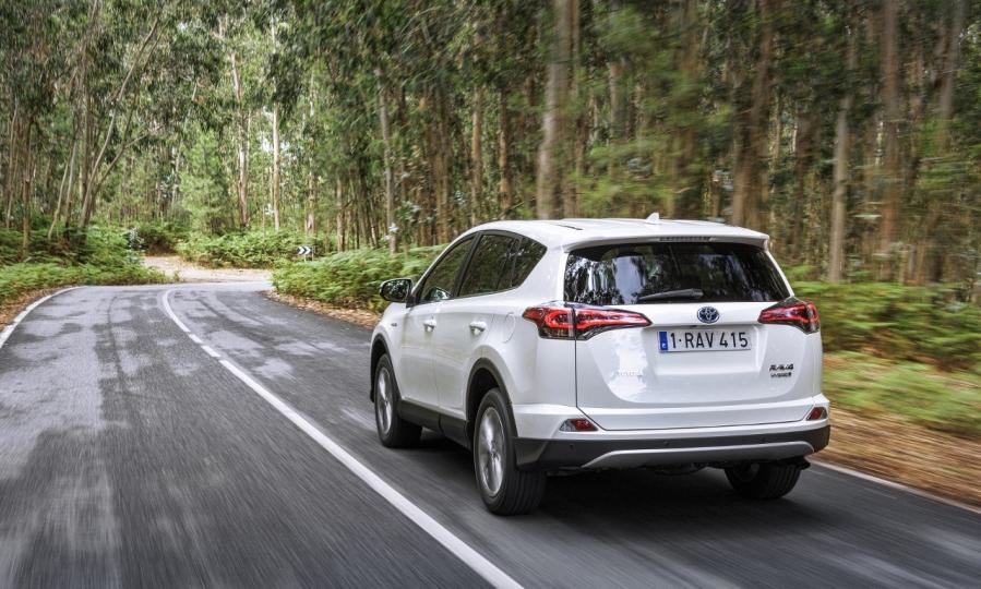 Toyota RAV4 2016: Bilder, Preise und Technische Daten @ AUTOmativ.de