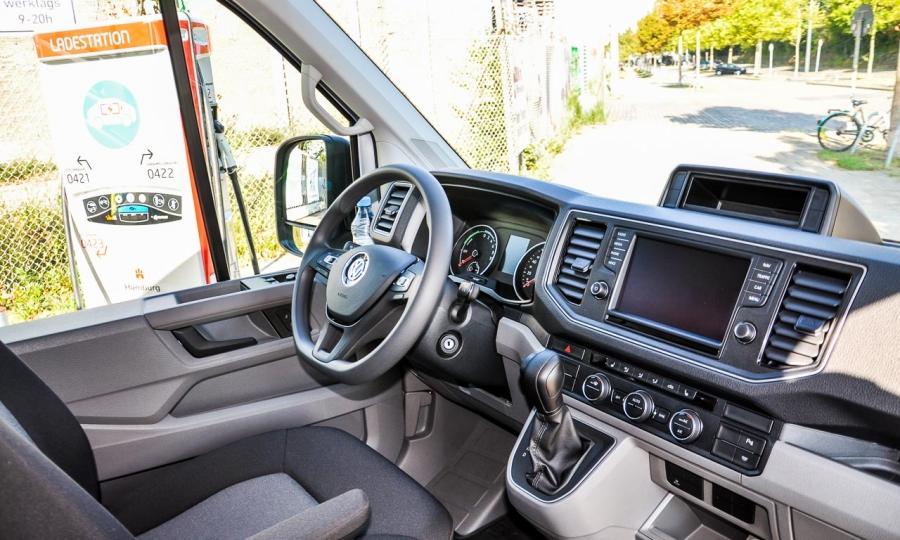 VW Volkswagen e-Crafter Elektro-LKW im Test und Fahrbericht in Hamburg Ilona Farsky Benjamin Brodbeck AUTOmativ.de-8