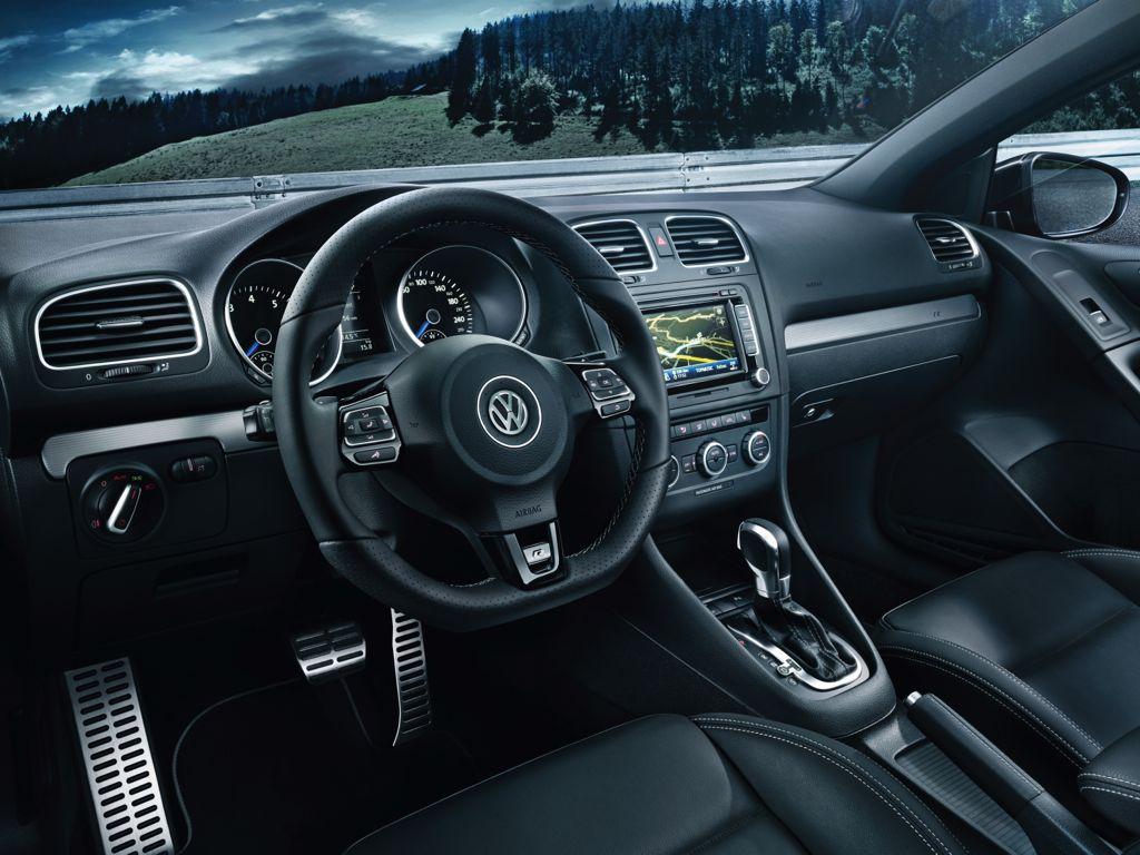 VW Golf R Cabriolet (2013)