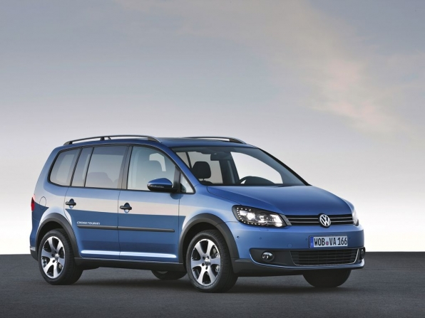 VW Touran Cross (2012)