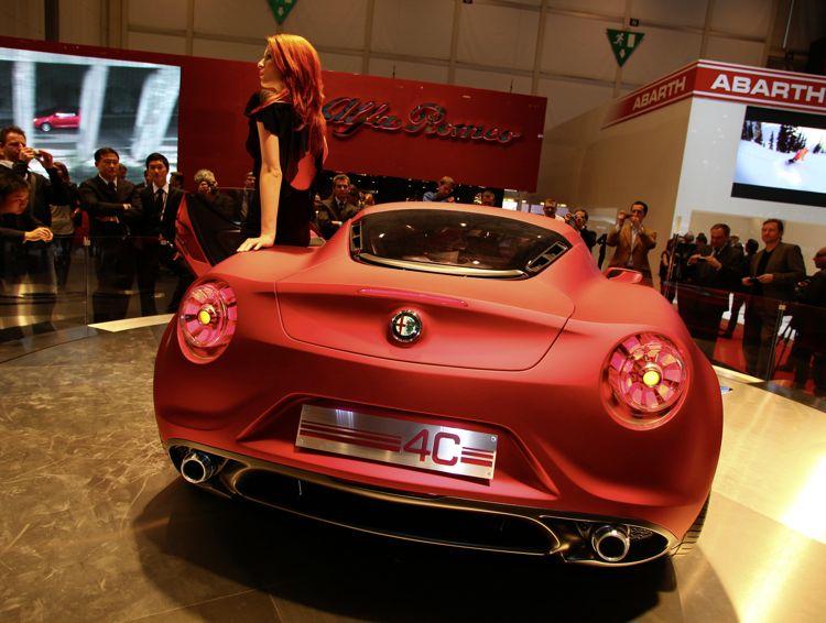 alfa romeo 4c genf 2011 img1 - Genf 2011: Sportwagen Alfa Romeo 4C Concept könnte bereits 2012 in Serie gehen