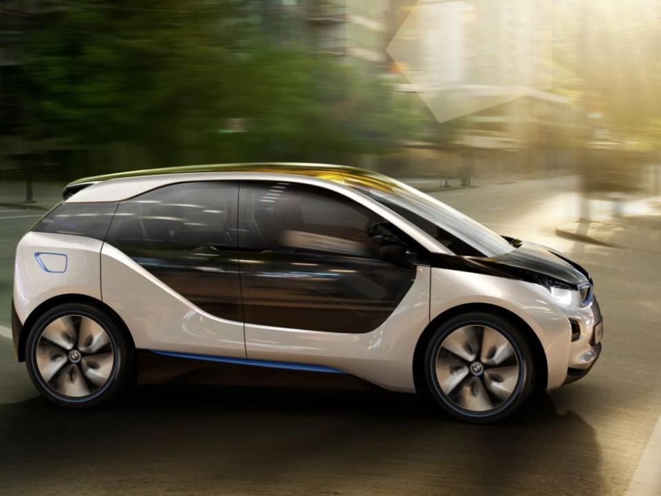 bmw i3 und bmw i8 iaa 2011 img 2 960x720 - BMW i3: Erstes Elektroauto von BMW kommt 2013 auf den Markt