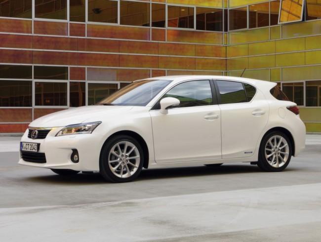 ncap crashtest lexus ct 200h 20111 650x4901 - Lexus CT 200h Test: Fünf Sterne im NCAP-Crashtest