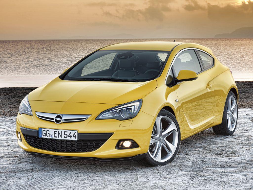 Новые фото Opel Astra GTC.