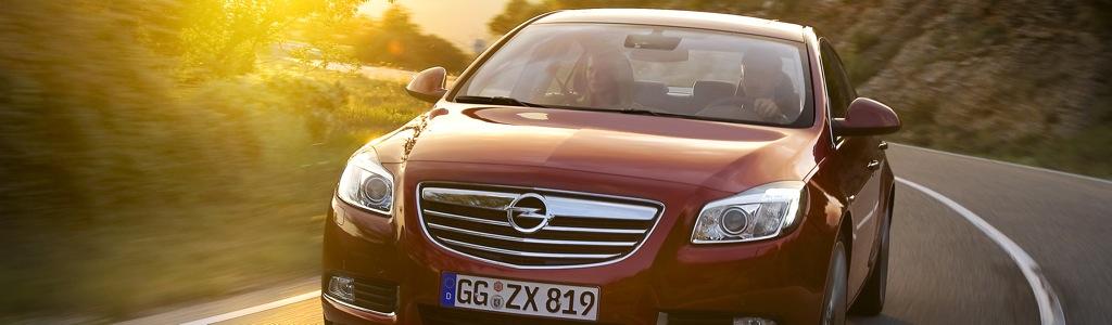 opel insignia 4tuere mj2011 teaser 11 - Debüt des Cadillac BLS auf der IAA 2005