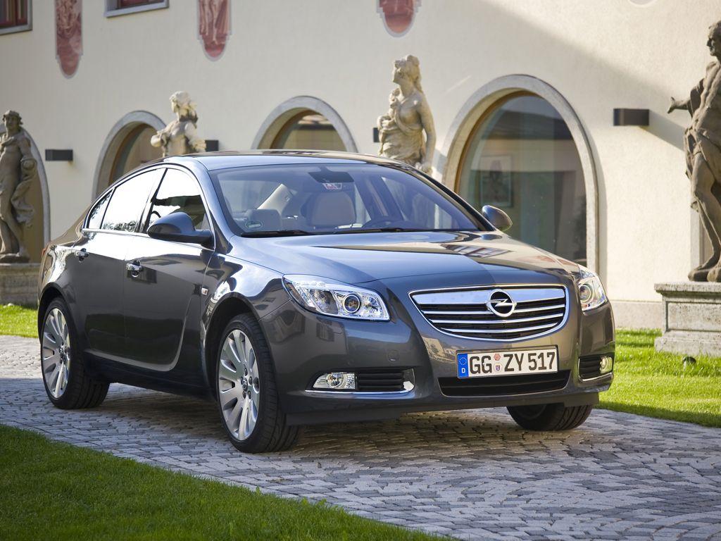 Фото Opel Insignia.