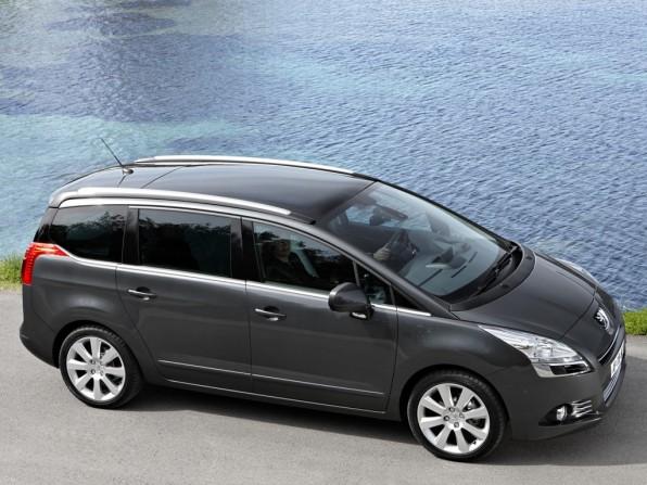 peugeot 5008 mj2012 img 2 596x447 - Peugeot 5008 (2012)