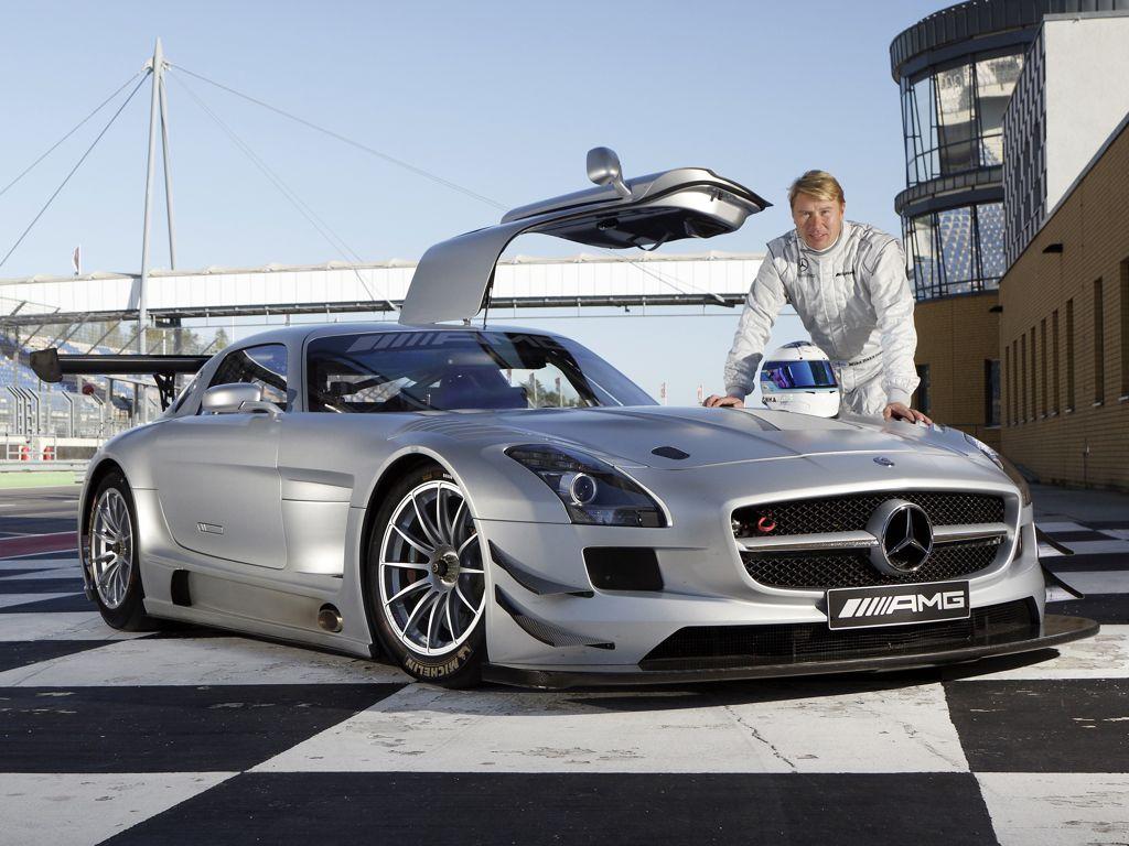 Im Mercedes AMG SLS GT3 zur Fahrerlizenz des DMSB