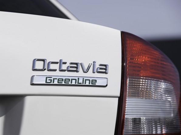 skoda octavia green line mj2012 img 2 596x447 - Skoda Octavia Greenline (2012)