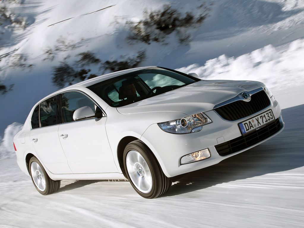 Skoda Superb 4x4 AllDrive (2012)