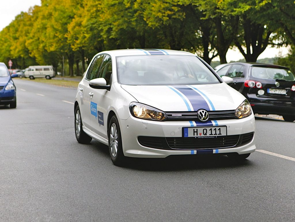 VW Golf BlueMotion (2012)