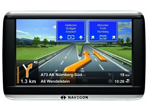 NAVIGON 42 Plus - Kompaktes Navi mit reizvollen Zusatzfunktionen