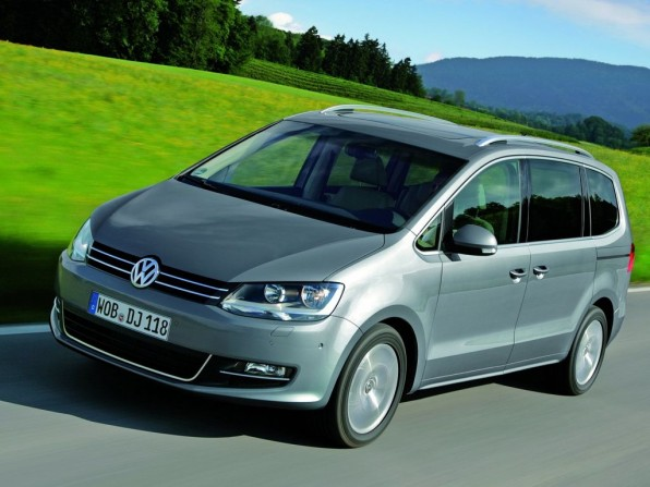 vw sharan mj2012 img 2 596x447 - VW Sharan Highline (2012)