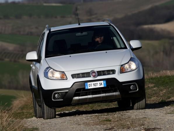 fiat sedeci mj2012 img 1 596x447 - Fiat Sedici (2012)