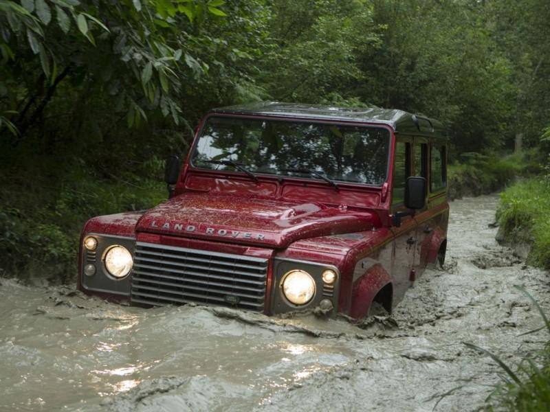 Land Rover Defender (2010)
