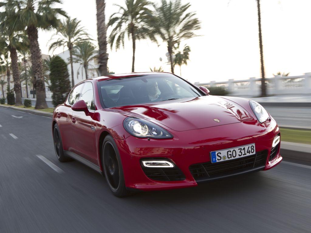 Porsche Panamera GTS (2013)