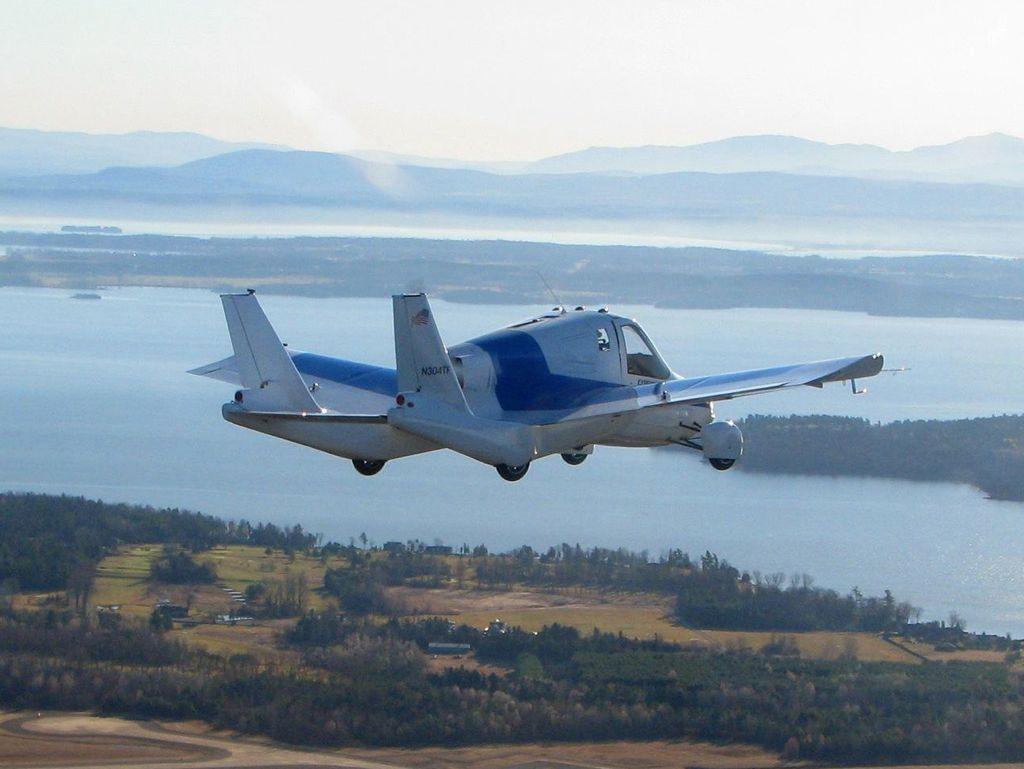 Transition - Die erste Studie eines fliegenden Autos auf der New York Auto Show 2012